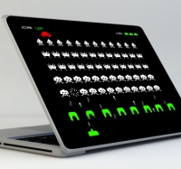 sticker-pc-portable-space-invaders-7466.jpg